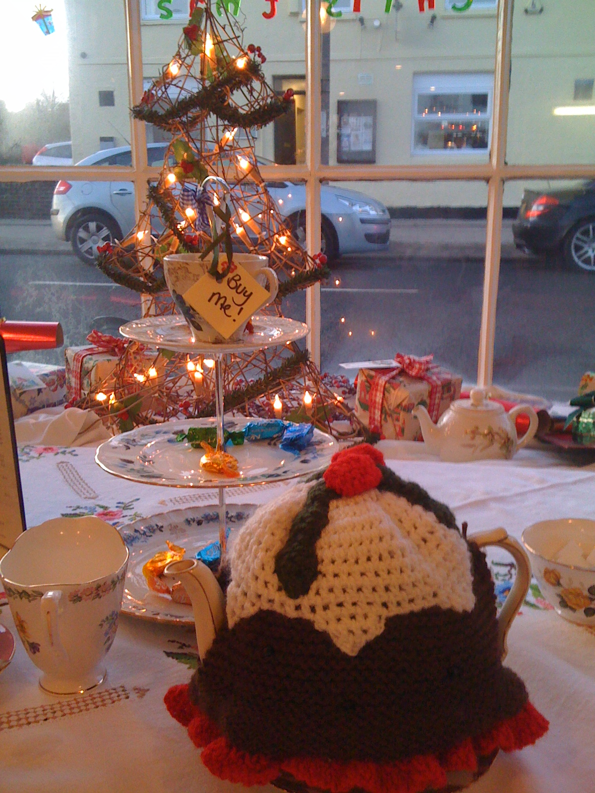 Cake Decorating Yaxley : topsecretteaparties It s about tea. And cake. And ...